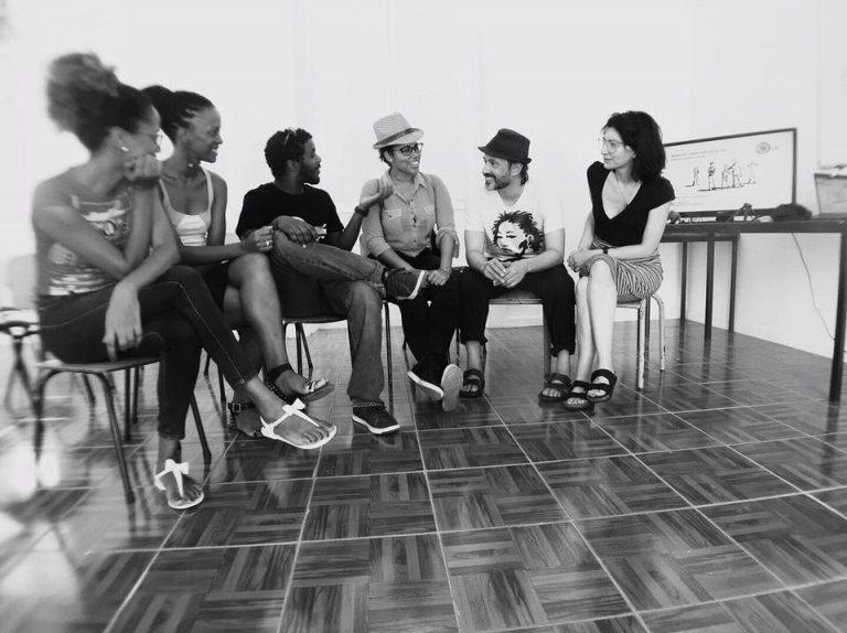 Luísa Sequeira e Sama durante o Workshop de cinema mobile em Cabo Verde